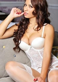 Independent escort Delhi